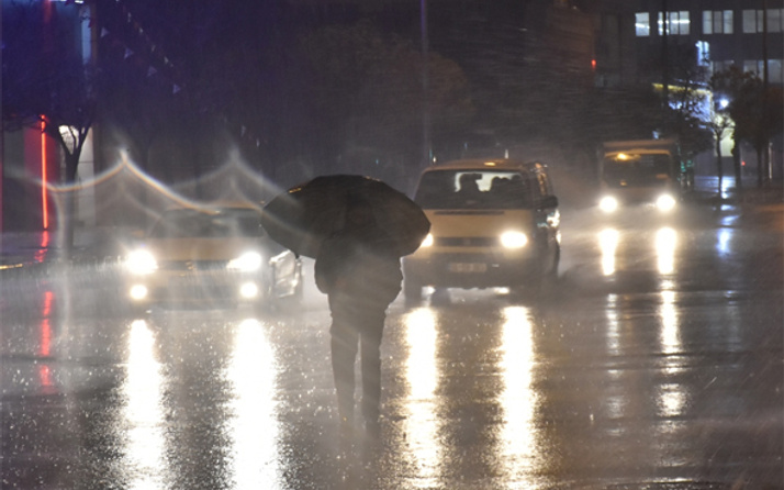 Gaziantep'te yağış hayatı olumsuz etkiledi