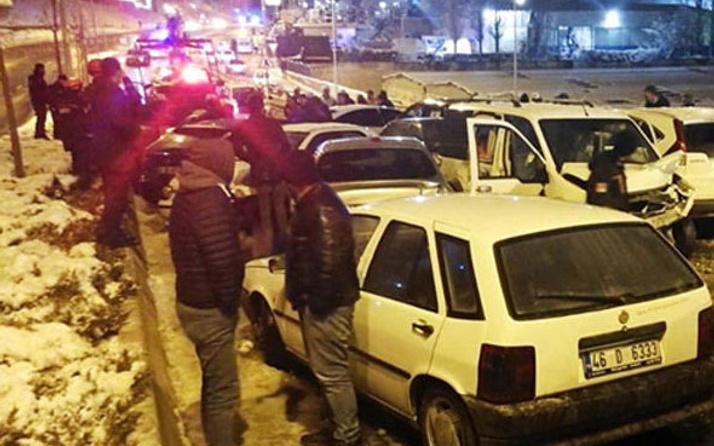 Ankara'da trafik kazası: 28 araç birbirine girdi