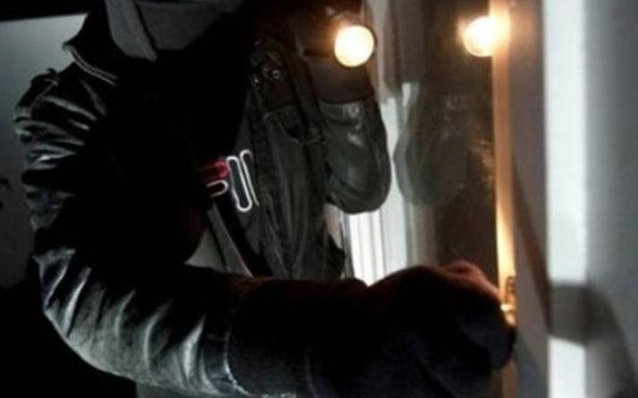 15 yaşındaki hırsız ev sahibini öldürüp cesedin videosunu çekti