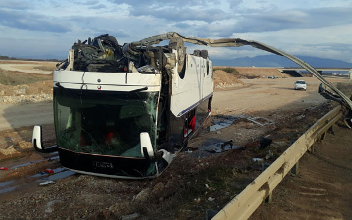 İzmir'de korkunç kaza! Çok sayıda yaralı var