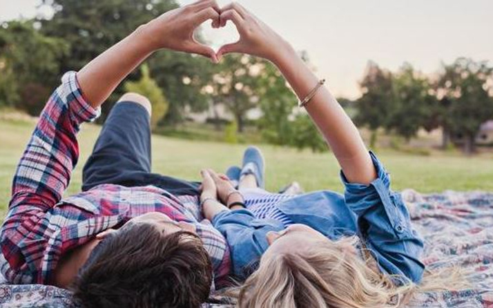 14 Şubat şiirleri erkek ve kadına yazılacak sevgililer günü sözleri