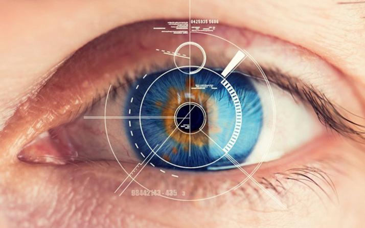 Göz taramasıyla kalp krizi riskini tahmin ediyor
