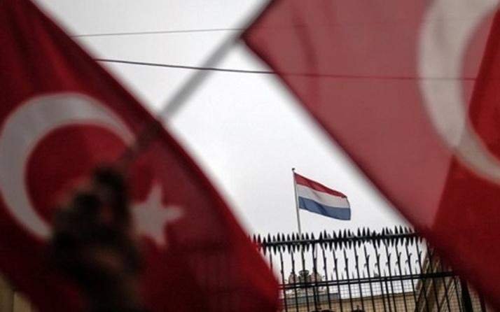 Türkiye'yle Hollanda arasında yeni kriz! O isim ülkeyi terk etti