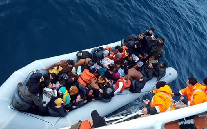 Ege'de son 24 saatte 483 göçmen yakalandı