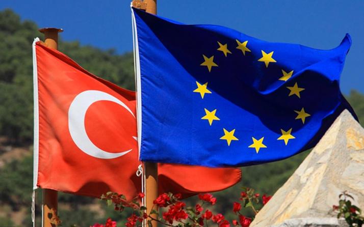 AB'nin Türkiye Raporu'nda dikkat çeken FETÖ ifadesi