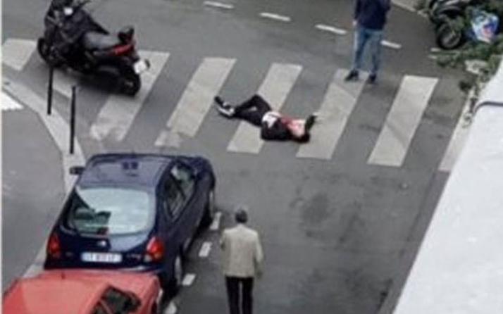 Paris'te bıçaklı saldırı dehşeti! Saldırgan kim çıktı? son durum ne?