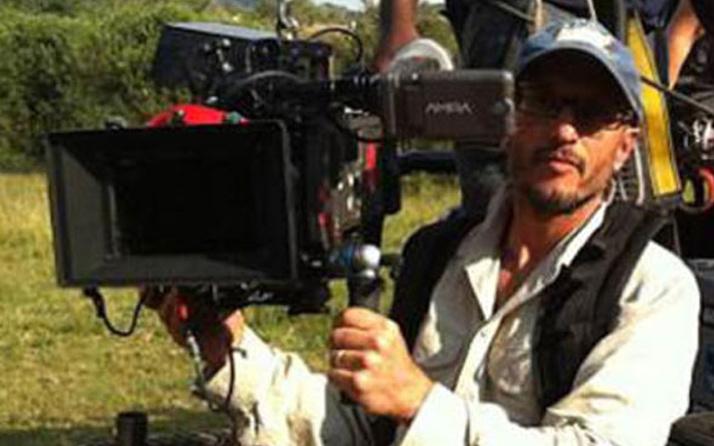 Ödüllü yönetmen zürafa tarafından öldürüldü!