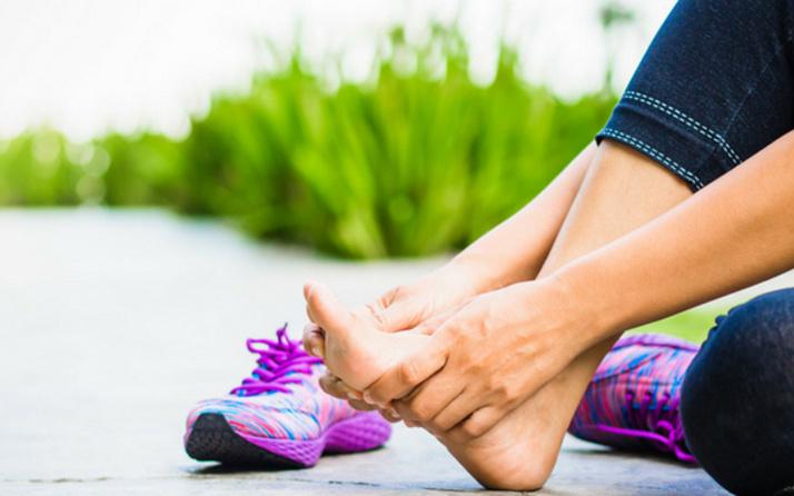 Ayaklarda en sık görülen 7 cilt sorunu ve tedavisi