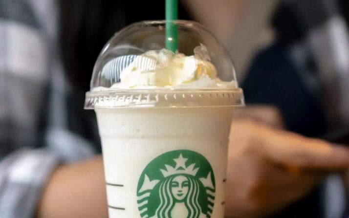 Starbucks plastiği yasakladı!