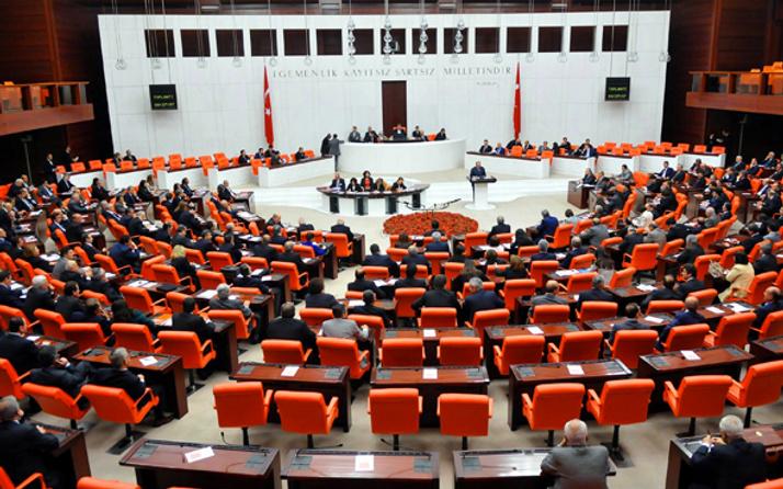 AK Parti'de 3 vekil istifa mı ediyor? Elitaş'tan flaş açıklama