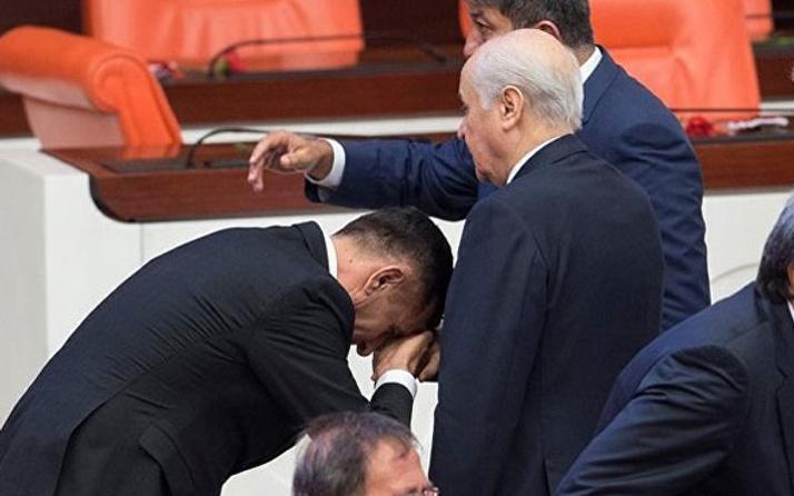 Bahçeli'nin elini öpen İYİ Parti'li vekil MHP'ye mi geçiyor?