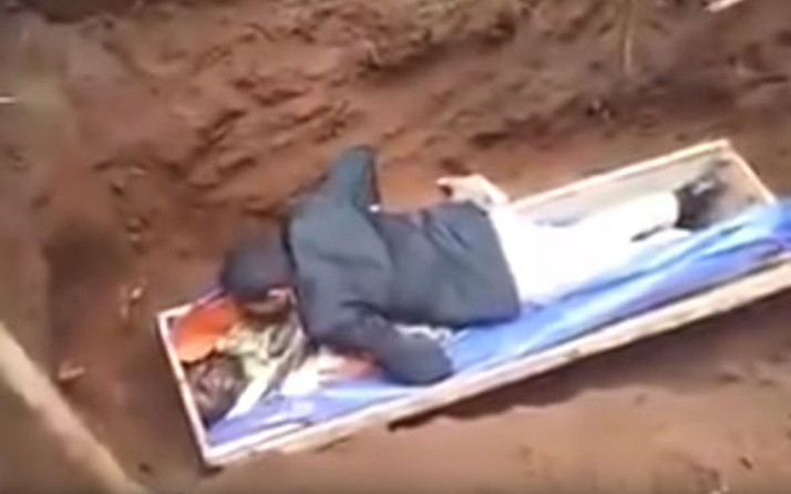 Ölüyü diriltemeyen sağlık çalışanı gözaltına alındı! İlginç olay...