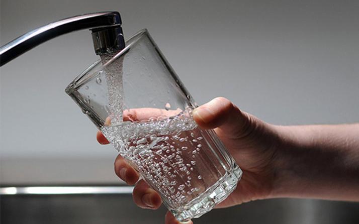 İzmir'de suya yüzde 5 zam yapıldı