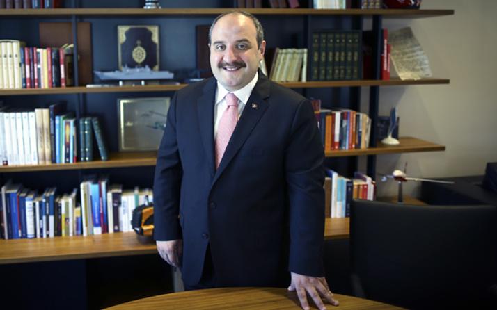 Mustafa Varank aslen nereli yeni Sanayi ve Teknoloji Bakanı kimdir?