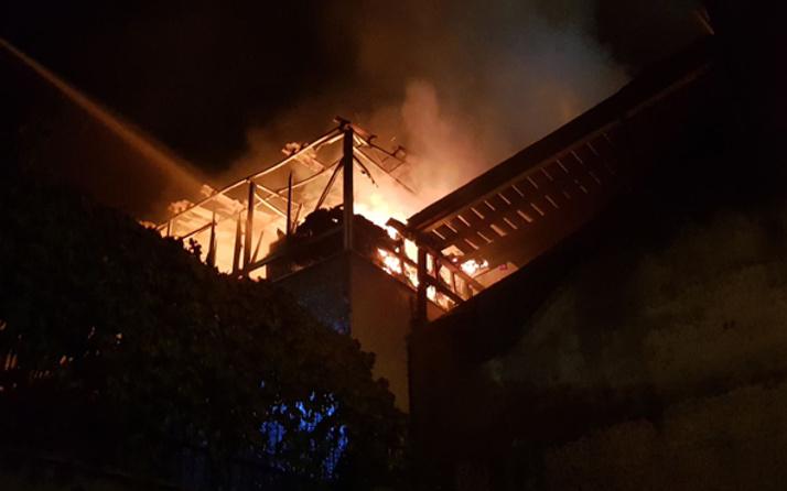Yalova'da beyaz eşya deposunda yangın