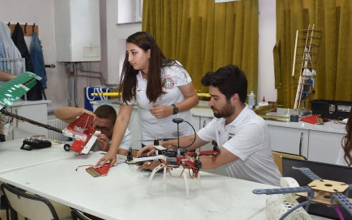 Üniversite öğrencileri yük taşıyabilen drone geliştirdi