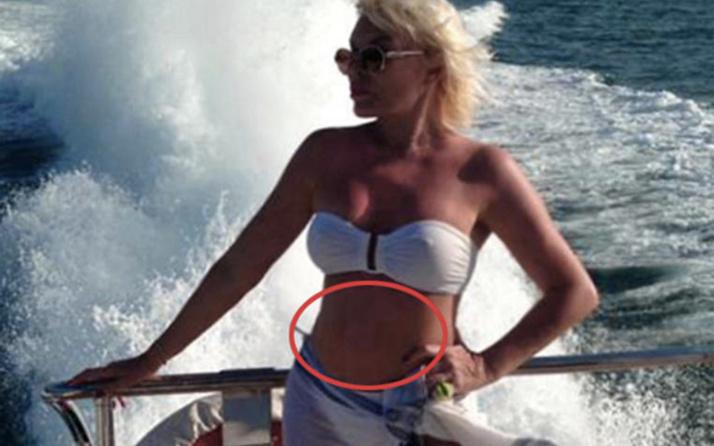 Ajda Pekkan göbek deliği olay oldu sosyal medya ikiye bölündü