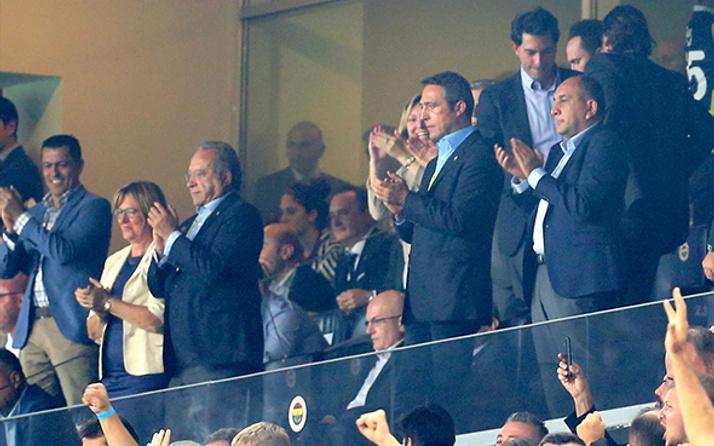 Ali Koç'tan taraftarı yatıştıran sözler: 'Beşiktaş'ı ezdik'