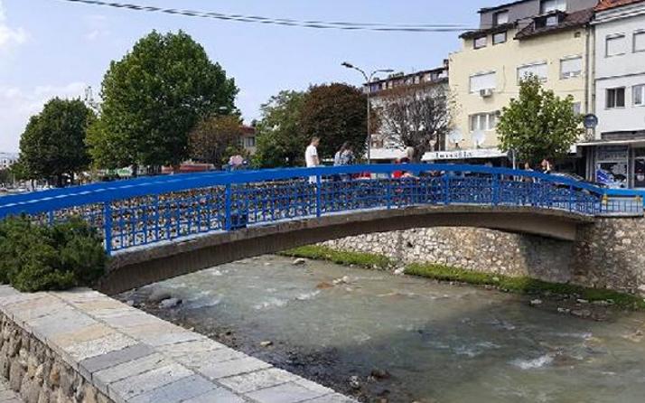 Kosova'daki 'aşk köprüsü' asma kilitler nedeniyle tehlikede!