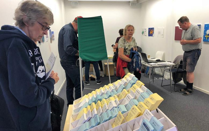 İsveç'te seçim sonuçlarında sağ blok önde