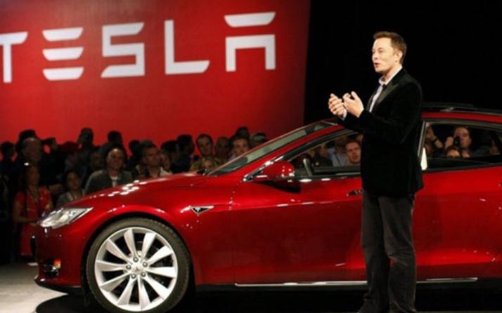 Tesla'dan sürücüsüz araçlar için flaş açıklama!