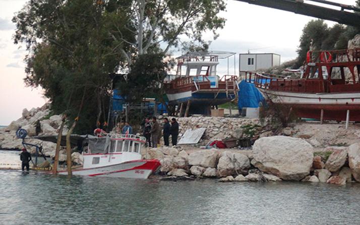 Şiddetli fırtına balıkçı teknesini batırdı!