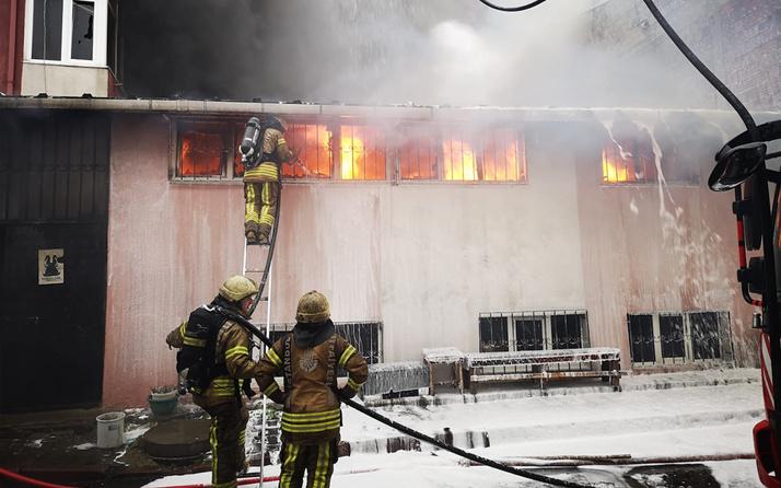 Sancaktepe'de tekstil atölyesinde yangın