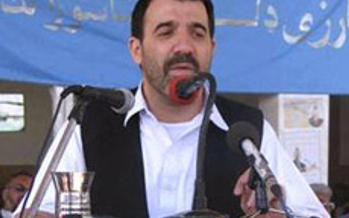 Karzainin kardeşine CIA maaşı