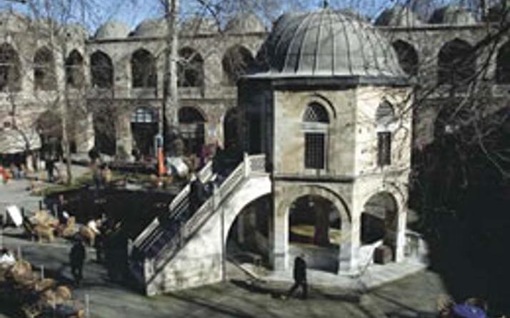 Tarihi mekanlarda Türkçe isim
