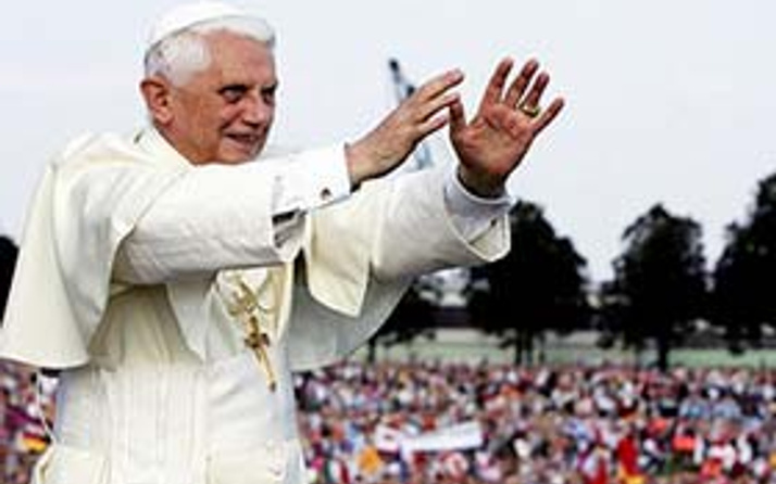 Papa yıllar sonra Küba'da
