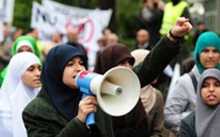 Müslümanlar yayın hakkına kavuştu