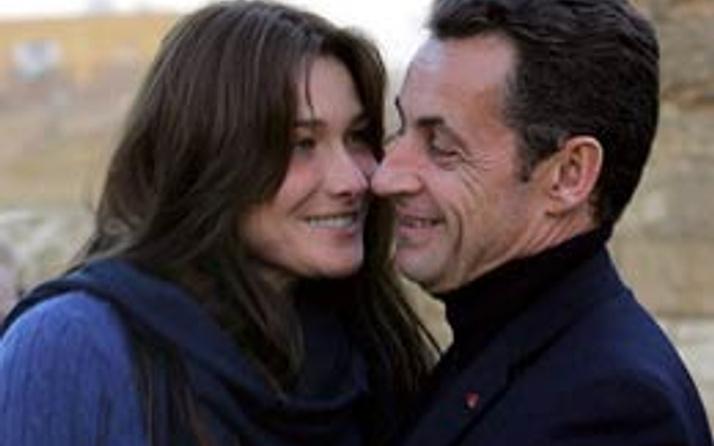 Sarkozy politika yazarını tehdit etti