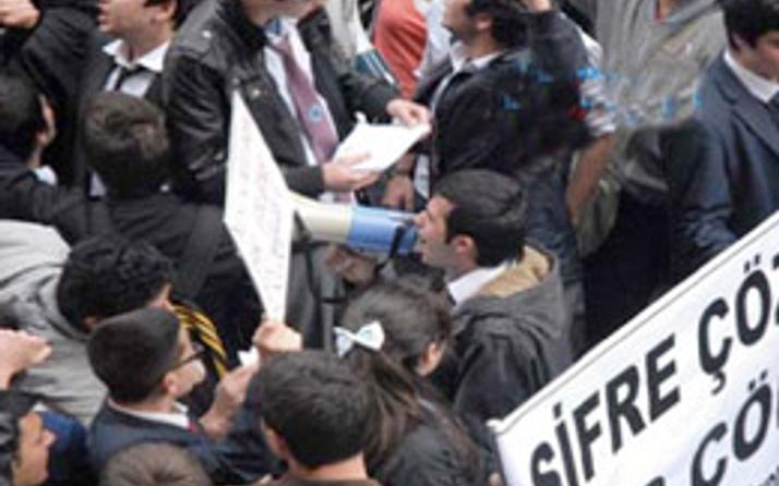 YGS protestocuları kopyacı çıktı