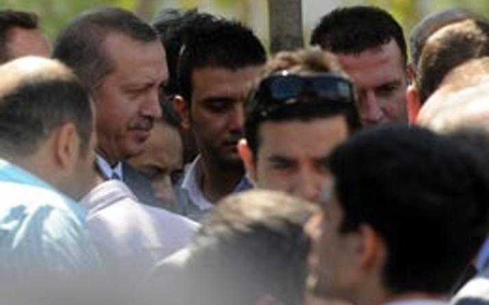 Erdoğan'ın önünü kesip yurt istediler