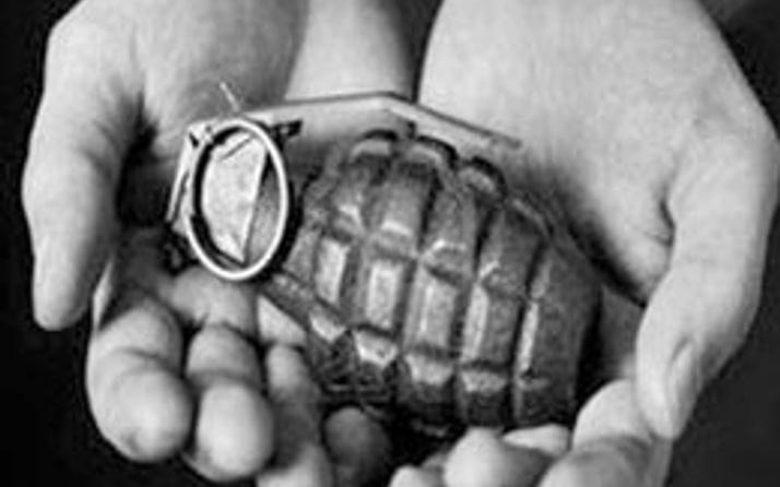Çocuklara silah ve bomba eğitimi