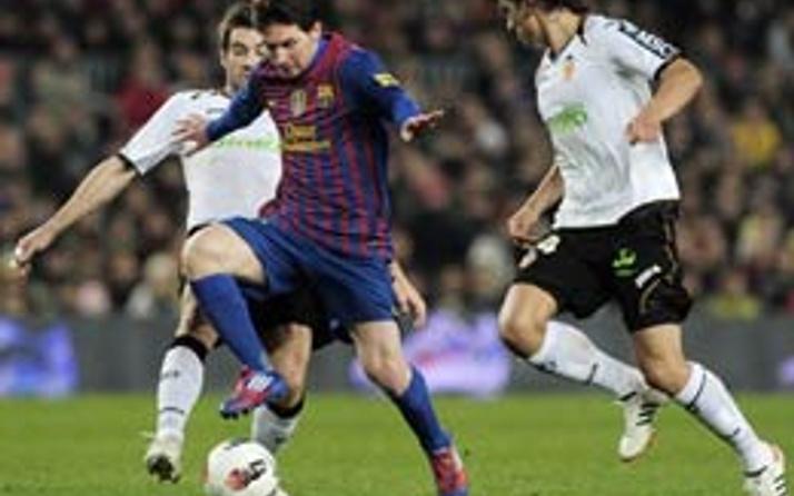 Messi Valencia'yı parçaladı