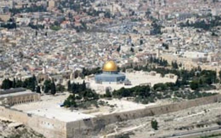 Yahudiler Mescid-i Aksa'ya zorla girdi