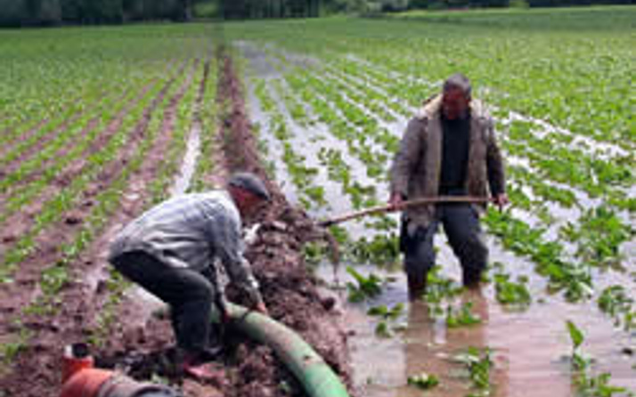 Çiftçiler mazot vaadini sevdi