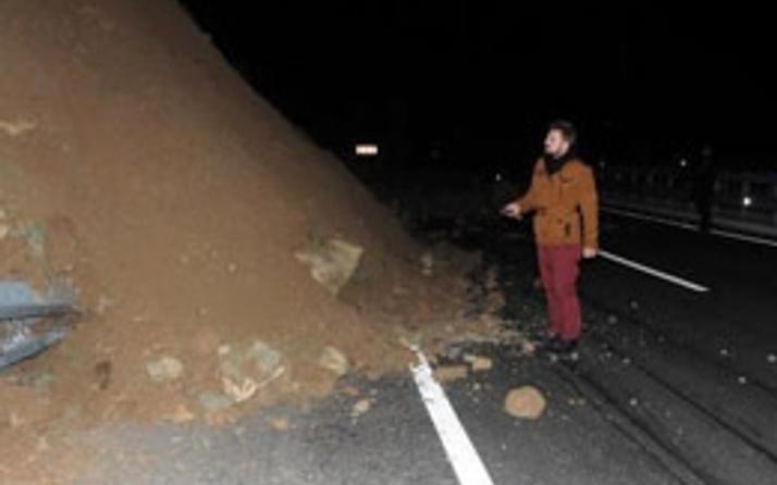 Çanakkale- İzmir yolu trafiğe kapandı