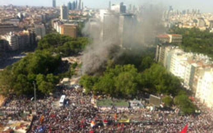 Gezi Parkı Twitter'ı ikiye böldü!
