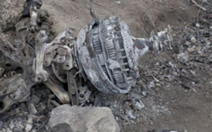 Hindistan'da askeri helikopter düştü