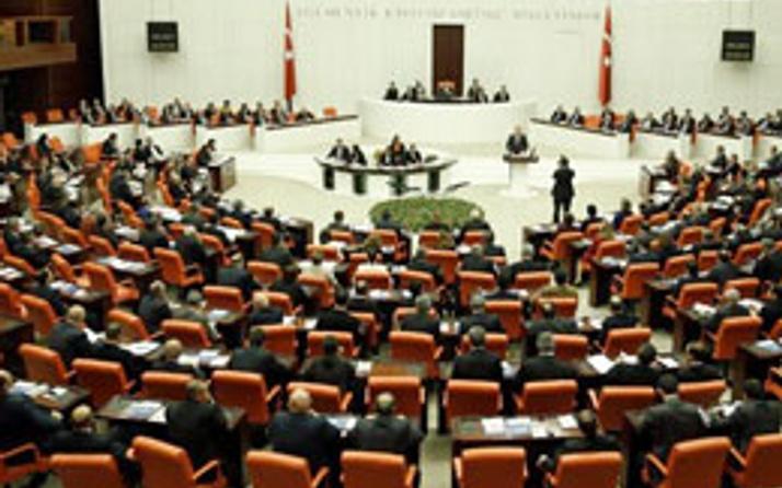 Meclis'te AK Parti'liler alarma geçti
