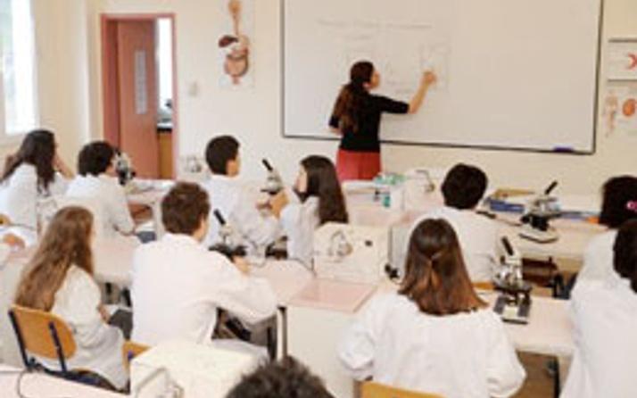 Öğretmene ücret darbesi geldi!