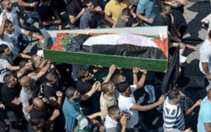 Kaçırılan Filistinli genci canlı canlı yakmışlar