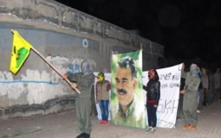 Kaleşnikoflu askeri törenle Kobani kutlaması!