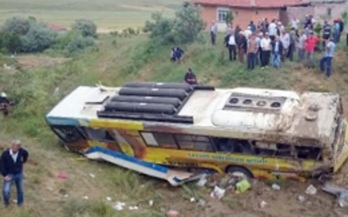 Belediye otobüsü dereye uçtu ölüler var