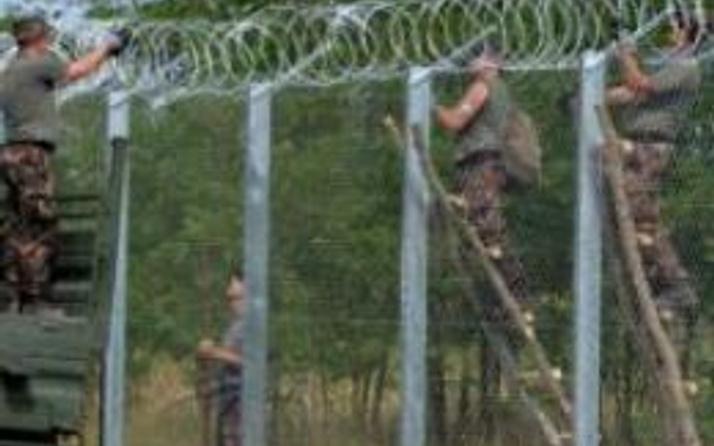Macarıstan ordusundan 'göçmen' tatbikatı