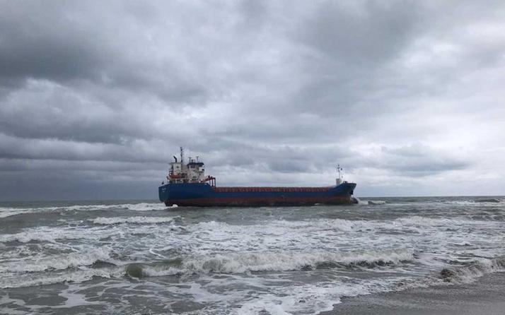 Kandıra'da gemi karaya oturdu