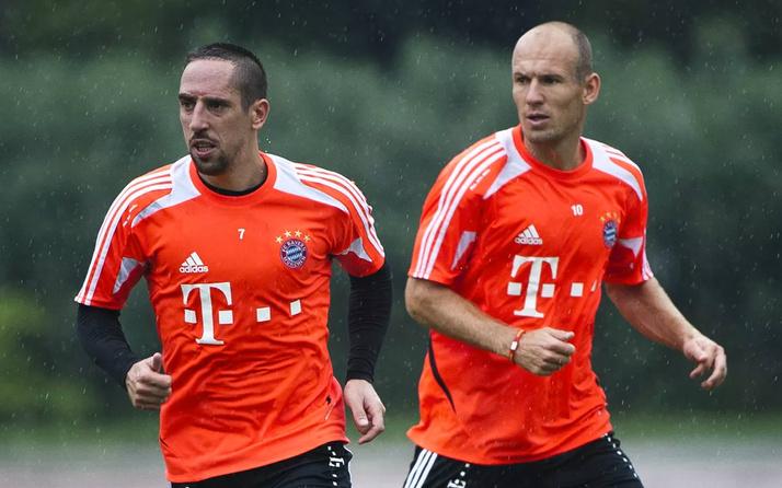 Bayern Münih'te Robben'le Ribery ayrılıyor