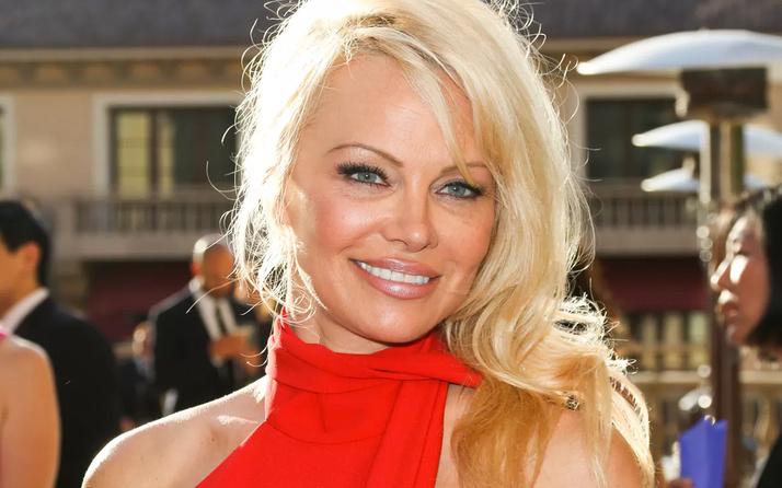 Pamela Anderson'dan Putin'e mektup!